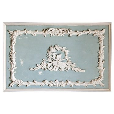 REF : B14 LOUIS XV VIOLIN BLUE AND WHITE BOISERIE