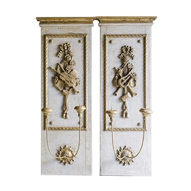 REF : M15 L. XVI PAIR OF SCONCES WITH MUSIC ORNAMENTS SWEET GREEN AND GOLD
