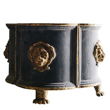 REF : VA4 CAST IRON GARDEN POT WITH GILDED LIONS HEADS